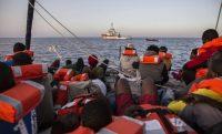 Migrantes rescatados en el Mediterráneo. Olmo Calvo AP