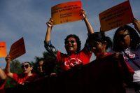 Algunos manifestantes exigieron ser contados en el censo para el año 2020 frente a la Corte Suprema de Estados Unidos. Credit Shannon Stapleton/Reuters