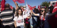 27/06/2019: Los ciudadanos de Estambul se reúnen para la toma de posesión del nuevo alcalde electo Ekrem Imamoglu (Foto de Valeria Ferraro / SOPA Images / LightRocket a través de Getty Images)