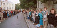 Manifestaciones celebradas en los países bálticos en el 50 aniversario del Pacto de No Agresión soviético-alemán firmado el 23 de agosto de 1939. Miles de personas hacen cadenas humanas desde Pikk Hermann en Tallin hasta la Torre de Gediminas en Vilna. (Foto ITAR-TASS / Langovitz)