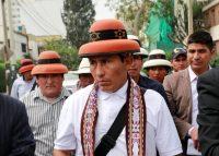 Gregorio Rojas, presidente de la comunidad Fuerabamba, llega a las negociaciones con la minera china MMG en Lima, Perú, el 6 de abril de 2019. (Henry Romero/REUTERS)