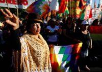 Partidarios del expresidente boliviano Evo Morales se manifiestan ante la embajada de EEUU en Buenos Aires. AGUSTIN MARCARIAN (REUTERS)