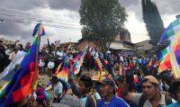 Una manifestación en las afueras de Cochabamba (Bolivia), el pasado 25 de noviembre. MITRA TAJ (REUTERS)