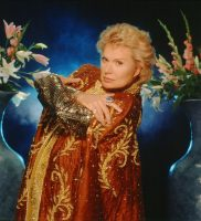 Walter Mercado en 2001Credit...Harry Langdon/Getty Images