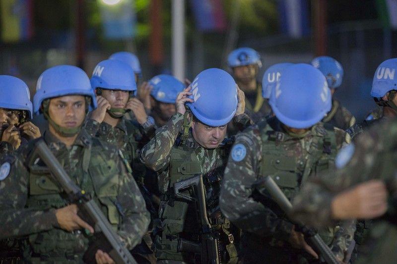 Soldados brasileños de MINUSTAH participan en la ceremonia de clausura oficial de la misión en Puerto Príncipe el 5 de octubre de 2017. Junior Emmanuel/EPA