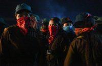 Mujeres del Ejército Zapatista de Liberación Nacional celebran el aniversario 26 de la agrupación en el Caracol de Morelia, en Chiapas. (Isaac GUZMAN / AFP )