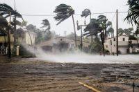 Calle inundada tras el paso del huracán Irma por Florida. Shutterstock/FotoKina