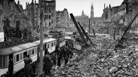 La ciudad de Dresde, en Alemania, tras los bombardeos de los aliados en 1945. Hulton-Deutsch Collection/Corbis Getty Images