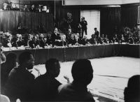 Assis à la Table ronde, certains Belges s'inquiètent pour l'avenir et la sécurité des biens et des personnes restées au Congo. © Tous droits réservés