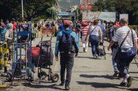 Migrantes venezolanos cruzan el puente Simón Bolívar hacia Cucuta, Colombia. Sergio Ortiz (Amnistía Internacional)