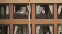 Personnes placées en quarantaine dans un hôtel de Tenerife. Espagne, février 2020. — © AP Photo