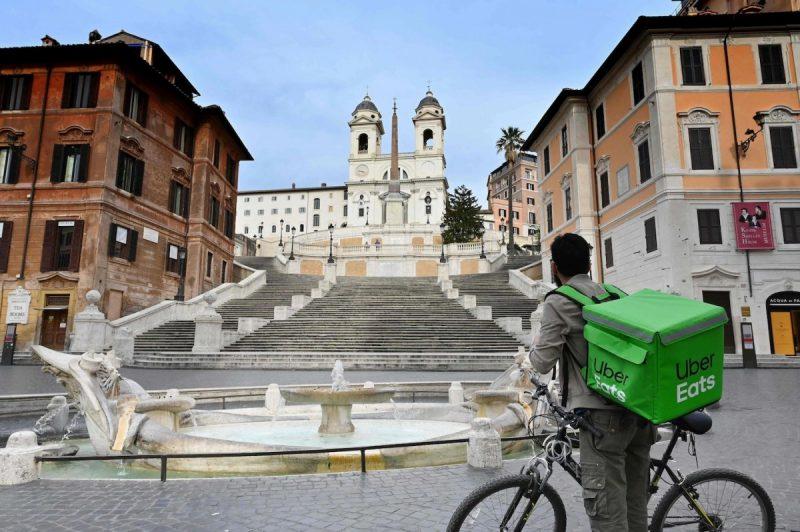 The nearly deserted Piazza di Spagna in central Rome on Thursday, as Italy shut all stores except for pharmacies and food shops in a desperate bid to halt the spread of a coronavirus. (Alberto Pizzoli/Afp Via Getty Images)