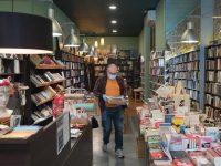 Josep Vitas, propietario de Antinous, una librería de Barcelona. Credit Samuel Aranda para The New York Times
