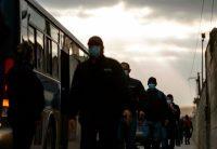 Trabajadores mexicanos en Tijuana en mayo de 2020. Credit Guillermo Arias/Agence France-Presse — Getty Images