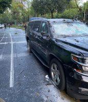 Una foto de la Fiscalía de la Ciudad de México de la camioneta del secretario de Seguridad Ciudadana de Ciudad de México, Omar García Harfuch, después de ser baleada por un grupo del crimen organizado el 26 de junio de 2020. (Fiscalía de la Ciudad de México vía EPA-EFE/Shutterstock) (Mexico Prosecutor Office/Handout/EPA-EFE/REX/Shutterstock)