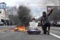 Las protestas por la muerte de George Floyd se extendieron rápidamente por todo el país. ETIENNE LAURENT/EPA