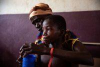 Campaña de vacunación contra el sarampión de Médicos Sin Fronteras en el hospital de Bossangoa, en República Centroafricana. James Oatway (MSF)