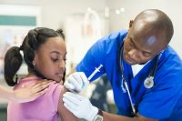Ensayos en fase III de vacunas de COVID-19 están en marcha en varios países. ER Productions Limited/Getty Images