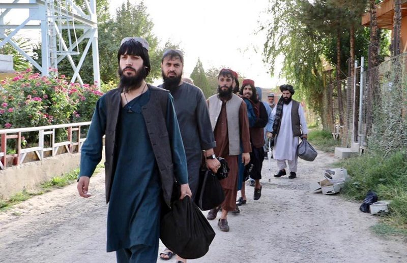 Taliban prisoners preparing to leave a government prison in Kabul last month. © Afghanistan National Security Council Handout / EPA