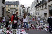 Le 16 janvier 2015, rue Nicolas-Appert à Paris, près des anciens locaux de «Charlie». Photo Christophe Maout pour Libération