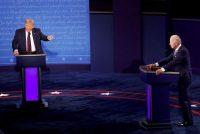 El presidente de Estados Unidos, Donald Trump, y el candidato presidencial demócrata, Joe Biden, participan en su primer debate de la campaña presidencial de 2020. (REUTERS/Brian Snyder)