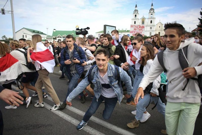 Students run away from police during a protest in Minsk, Belarus, on Sept. 1. (AP)