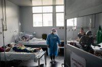 Un hospital con pacientes de la COVID-19 en una comunidad remota en la Amazonía brasileña, en junio de este año. Credit Tyler Hicks/The New York Times