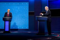 El presidente de Estados Unidos, Donald Trump, y el candidato presidencial demócrata, Joe Biden, durante el debate presidencial final en la Universidad de Belmont en Nashville el 22 de octubre de 2020. (Jabin Botsford/The Washington Post)