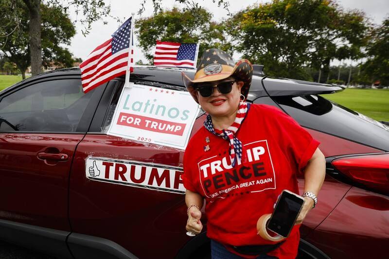 'Latinos por Trump'. Una caravana de automóviles en apoyo del presidente de Estados Unidos en Doral, Florida, el 13 de septiembre de 2020. (Eva Marie Uzcategui/Bloomberg)