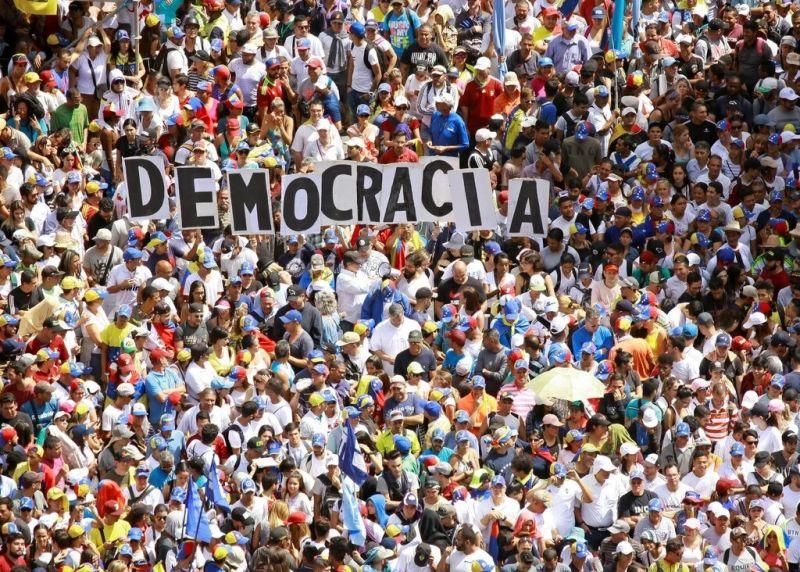 Manifestantes en Caracas, Venezuela, salieron a las calles en enero de 2019. Credit Reuters