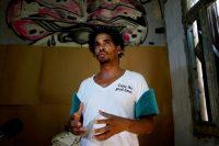 En esta foto de mayo de 2018, Luis Manuel Otero Alcantara, del Movimiento San Isidro, habla durante una entrevista en su casa de La Habana, Cuba. (REUTERS/Alexandre Meneghini/File Photo)