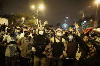 Decenas de personas participan en una multitudinaria marcha en Lima, el pasado 14 de noviembre.Aldair Mejía / EFE