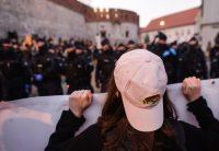 Lors d'une manifestation en faveur du droit à l'avortement, à Cracovie samedi. Photo Artur Widak. NurPhoto. AFP