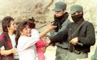 Los enfrentamientos con las fuerzas de seguridad fueron una característica en el Perú de Fujimori. Roberto Schmidt/AFP via Getty Images