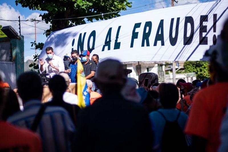 Juan Guaidó, en un mitin contra las elecciones convocadas por Maduro.Elena Fernandez/ZUMA Wire / Spla / GTRES