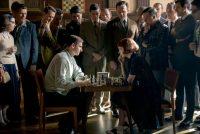'Gambito de dama' cuenta la historia de Beth Harmon y su búsqueda por convertirse en la mejor jugadora de ajedrez del mundo. La miniserie de Netflix es protagonizada por la actriz Anya Taylor-Joy. (PHIL BRAY/NETFLIX/Phil Bray/Netflix)