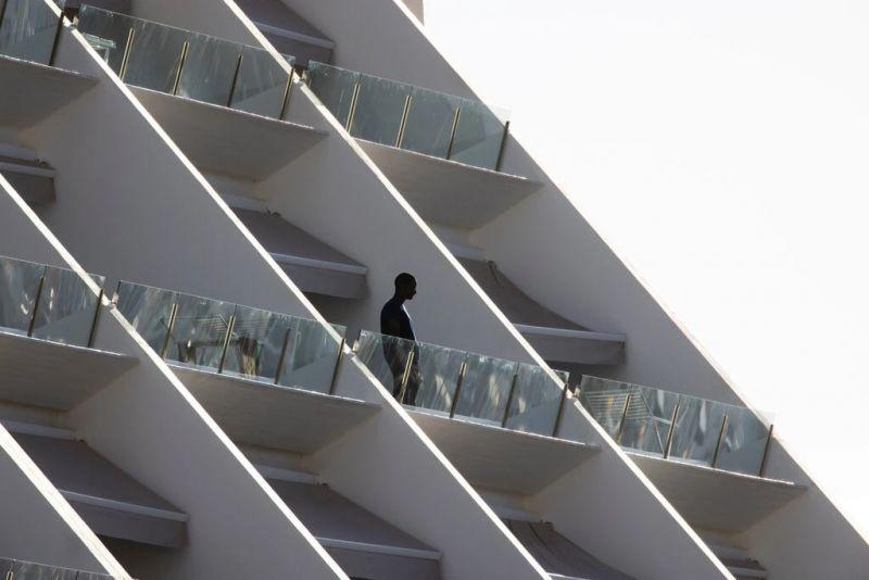 Un refugiado en un hotel de Gran Canaria en diciembre de 2020. Credit Dan Kitwood/Getty Images