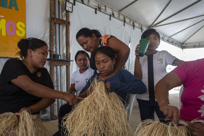 Un grupo de refugiados venezuelanos de la etnia warao que viven en Brasil gracias al apoyo de ACNUR.Victor Moriyama / Victor Moriyama