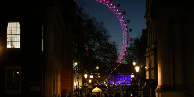 View of the London Eye from Downing Street at dawn, 1 December 2020. Photo credit: David Cliff/NurPhoto/Getty Images.