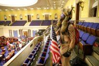 Jacob Chansley, más conocido como el chamán de QAnon, durante el asalto al Capitolio de EE UU, el pasado 6 de enero.Win McNamee / Getty Images