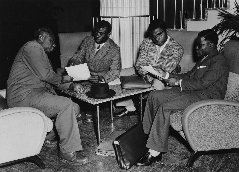 Délégués Congolais en discussion