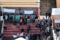 Inmigrantes irregulares acogidos en un colegio de Las Palmas de Gran Canaria. Ángel Medina G. / EFE