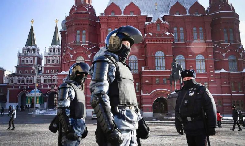 Russian riot police patrol to prevent possible protests in support of jailed opposition leader Alexei Navalny in downtown Moscow on Feb. 7. (Alexander Nemenov/AFP/Getty Images)