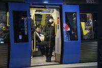Por qué hay localidades suecas que están prohibiendo el uso de mascarillas