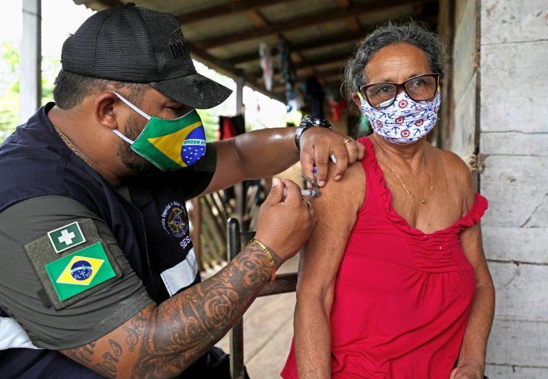 Vacunar a más de 210 millones de personas puede parecer imposible, pero para Brasil realmente no debería serlo. Credit Bruno Kelly/Reuters