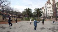 Unas mujeres realizan taichi en el parque de Amezola en la capital vizcaína, el pasado febrero.Luis Tejido / EFE