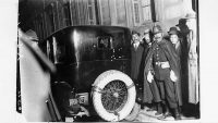 El coche en el que viajaba Eduardo Dato, presidente del Consejo de Ministros, cuando fue tiroteado.