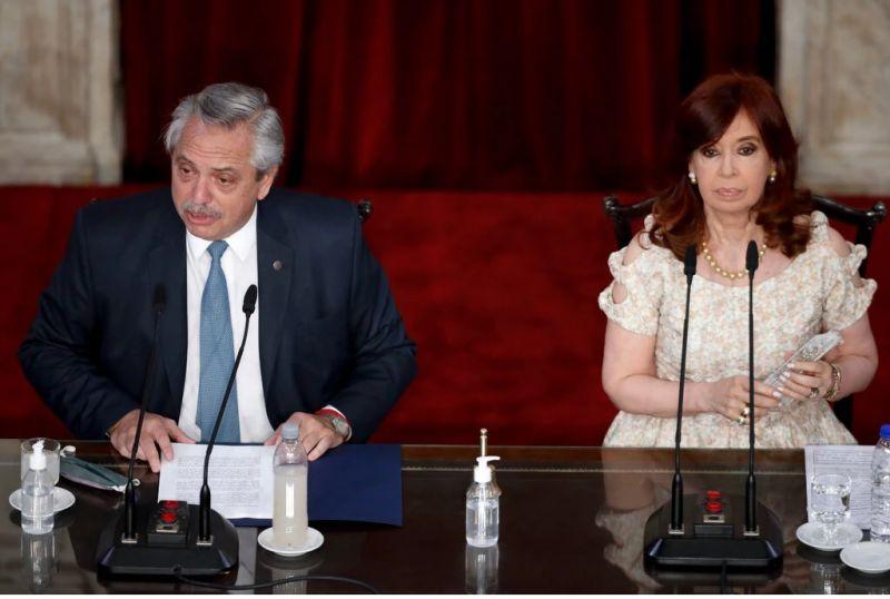 Después de ser la primera dama de Argentina y luego convertirse en presidenta, Cristina Fernández de Kirchner, a la derecha, se convirtió en vicepresidenta de su candidato elegido, Alberto Fernández, a la izquierda. Credit Foto de consorcio de Natacha Pisarenko