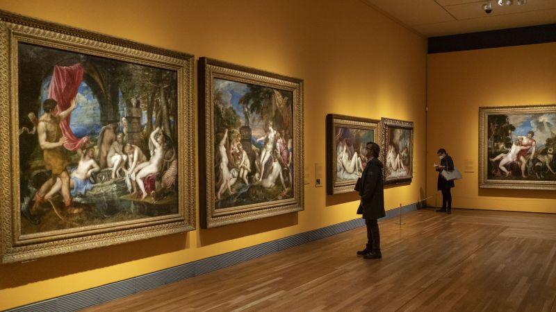 Visita de la exposición de 'Pasiones mitológicas' en el Museo del Prado.Olmo Calvo