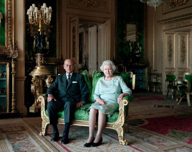 Thomas Struth's portrait of Queen Elizabeth II and the Duke of Edinburgh, Windsor Castle, 2011. Credit Thomas Struth